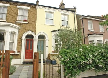 3 bed property to rent in Copleston Road, Peckham Rye, London SE15