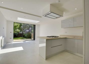 Thumbnail 2 bed flat for sale in Squires Lane, Finchley, London