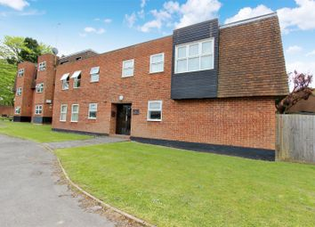 Thumbnail Flat for sale in Bovingdon Court, Windsor Close, Bovingdon, Hertfordshire