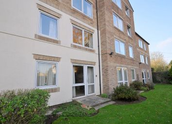 Thumbnail 2 bed flat for sale in Homewell House, Kidlington
