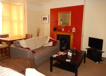 Thumbnail 3 bed duplex to rent in Wray Crescent, Finsbury Park, London