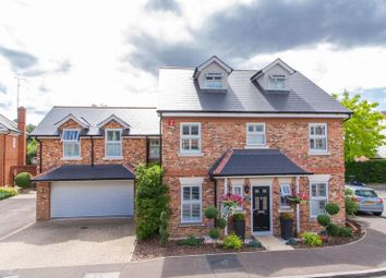 Thumbnail 5 bed detached house for sale in Fallow Fields, Loughton