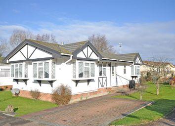 2 bed mobile/park home for sale in Bakers Farm Park, Upper Horsebridge, Hellingly, Hailsham BN27