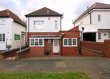 Thumbnail 4 bedroom detached house for sale in Queens Avenue, Whetstone
