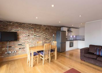 Thumbnail 2 bed flat to rent in Maltings Place, London Bridge