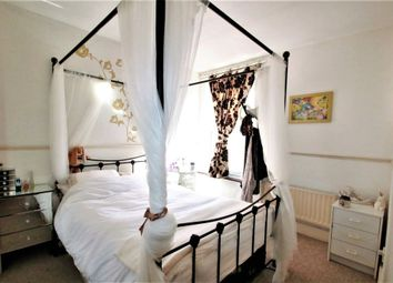 Thumbnail 1 bed flat for sale in Chelsham Road, South Croydon
