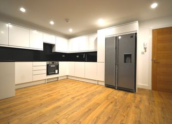 Thumbnail 5 bed shared accommodation to rent in Ewen Crescent, Tulse Hill, London