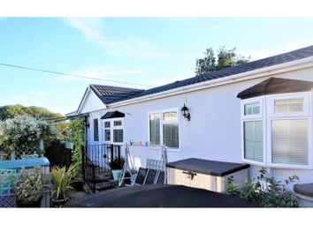 Thumbnail 2 bed mobile/park home for sale in Yeomans Way, Maidstone