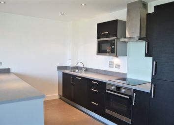 Thumbnail 2 bed flat to rent in Parkway, Newbury, Berkshire