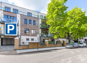 Thumbnail Parking/garage to rent in The Retreat, Earlsfield