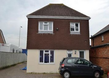 Thumbnail 1 bed flat to rent in Bath Road, Thatcham, Berkshire