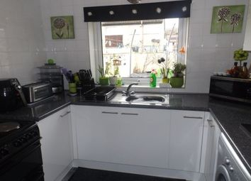 Thumbnail 3 bed property to rent in Kings Drive, Llandudno
