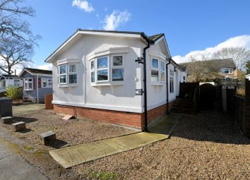 Thumbnail 2 bedroom mobile/park home for sale in First Avenue, Garstons Park, Tilehurst, Reading
