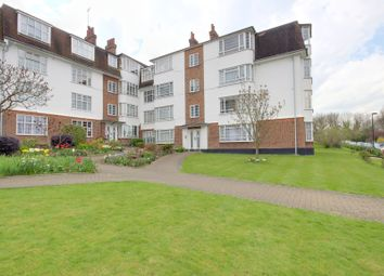 Thumbnail 2 bedroom flat for sale in Eversley Park Road, Winchmore Hill