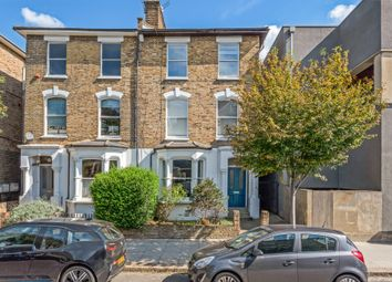 2 bed flat for sale in Wilberforce Road, London N4