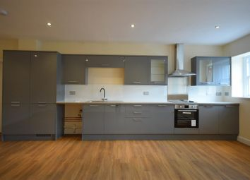 1 bed flat to rent in George Street, Halifax HX1