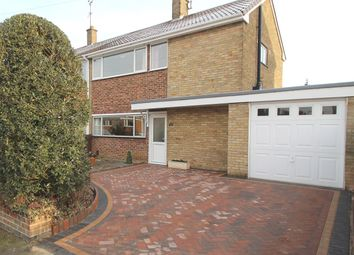 Thumbnail 2 bed property for sale in Lime Grove, Grantham