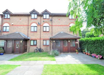2 bed maisonette to rent in Hawthorn Place, Erith DA8