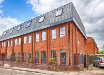Thumbnail 2 bed flat to rent in Adelaide Street, St.Albans