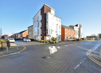 Thumbnail 1 bedroom flat for sale in Gweal Avenue, Reading, Berkshire