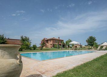 Thumbnail 6 bed country house for sale in Casale Il Volo, Castiglione Del Lago, Perugia, Umbria, Italy