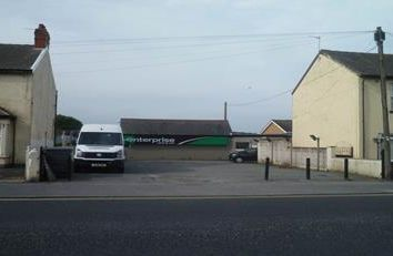 Thumbnail Light industrial to let in Office/Workshop & Compound, Vicarage Lane, Blackpool