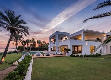 Thumbnail 12 bed villa for sale in Estepona, Málaga, Spain