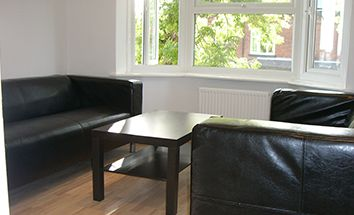 Thumbnail 3 bedroom flat to rent in Headingley Mount, Leeds
