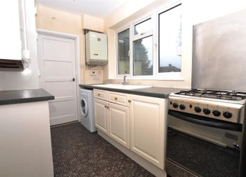 Thumbnail 3 bed property to rent in Girdle Road, Hitchin