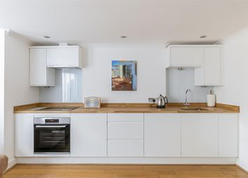 2 bed maisonette for sale in Durley Road, London N16