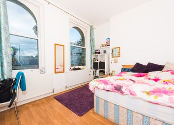 Thumbnail 2 bed flat to rent in Ferndale Road, Brixton