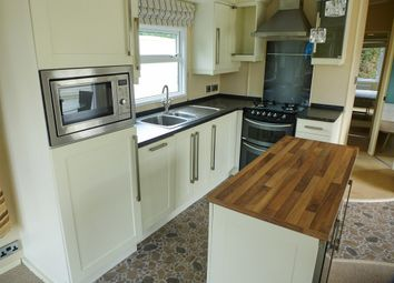 2 bed mobile/park home for sale in Witham Bank, Chapel Hill, Lincoln LN4