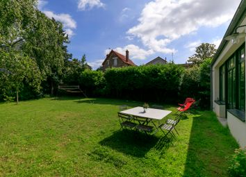 Thumbnail 6 bed property for sale in Garches, Paris, France