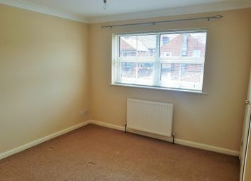 Thumbnail 1 bed flat to rent in Catherine Street, Reading