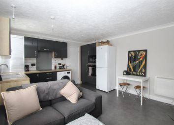 Thumbnail 1 bedroom flat for sale in Chiltern Avenue, High Wycombe