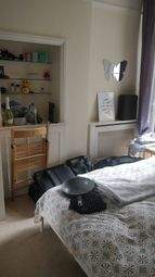 Room to rent in Lysia Street, London SW6