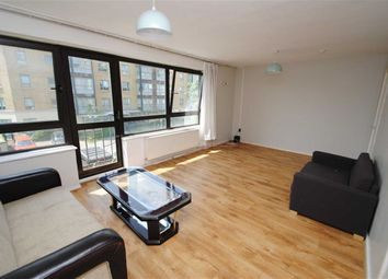 Thumbnail 4 bed flat to rent in Queens Drive, London