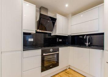 2 bed maisonette to rent in Albion Yard, Whitechapel E1