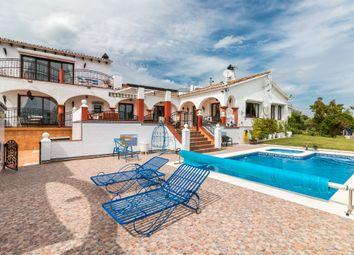 Thumbnail 4 bed villa for sale in Estepona, Málaga, Andalusia, Spain