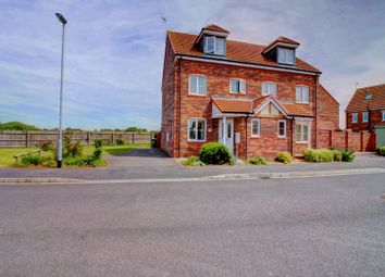 Thumbnail 3 bed town house for sale in Oakdale Road, Retford