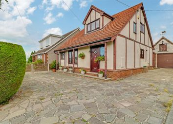 3 bed detached house for sale in Highlands Road, Bowers Gifford, Basildon SS13
