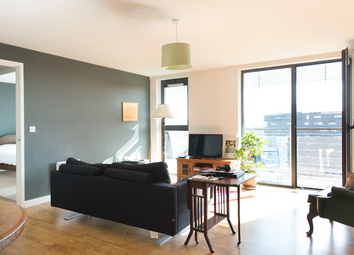2 bed flat for sale in Palmers Road, London E2