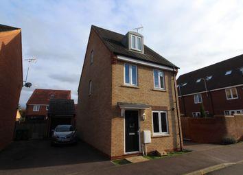 Kay Grove, Oakridge Park, Milton Keynes, Buckinghamshire MK14. 3 bed detached house for sale