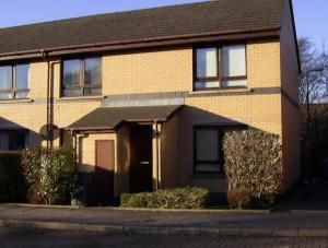 Thumbnail 2 bedroom flat to rent in Preston Court, Linlithgow, West Lothian