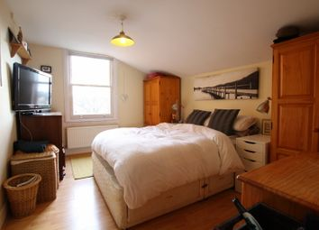 Thumbnail 1 bed flat to rent in Latimer Road, Wimbledon