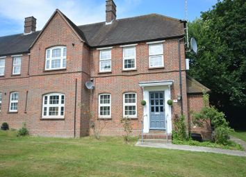 Thumbnail 2 bed flat to rent in Hedgerley Lane, Beaconsfield