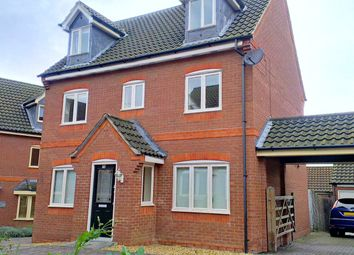 Thumbnail 4 bedroom detached house to rent in Foxley Place, Loughton, Milton Keynes