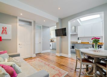 Thumbnail 3 bedroom flat to rent in Ashleigh Road, London