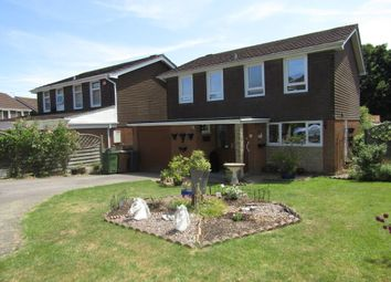 Thumbnail 4 bed detached house to rent in Pipers Mead, Clanfield, Waterlooville