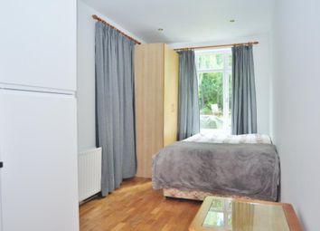 Thumbnail Studio to rent in Oak Way, London
